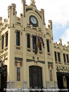 Estacio del Norte Train Station - a Modernist building